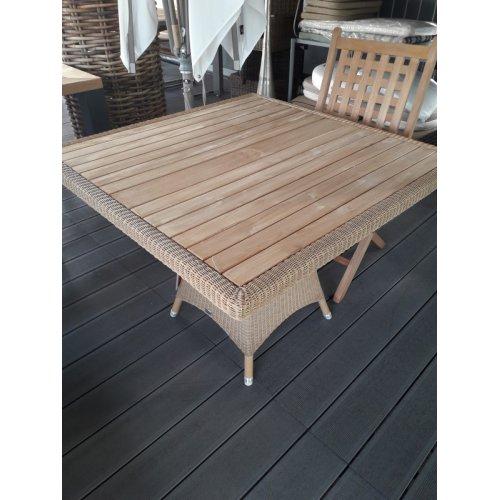 Stół ogrodowy LANSING 5098930 100x100x73,5cm firmy Cane-line