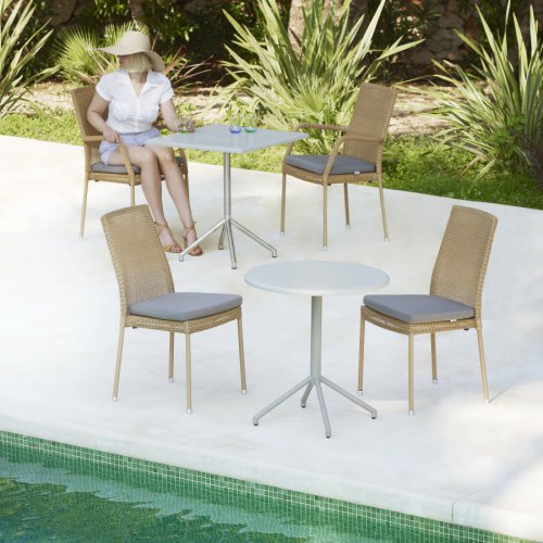 Krzesło ogrodowe NEWMAN 5436LU firmy Cane-line